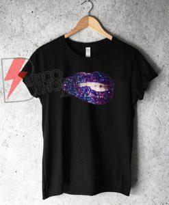 bite the lips Glitter T-Shirt